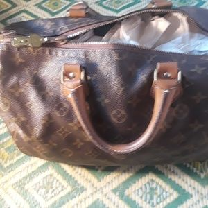 Preowned lv speedy 30